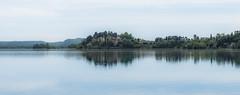 italien (kewlscrn) Tags: nikon d800 remo bivetti kewlscrn photography foto 2470mm f13 70mm 1640 iso320 italy italien travel varese lake sky see himmel composition panorama reflexions blau grün