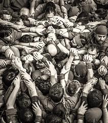 Som i Serem  .  ( Humantowers ) (Alex Nebot) Tags: castellers castells humantower humantowers nikon d7200 nikonista catalonia catalunya vendrell cultura tradiciones nensdelvendrekk city citta ciutat street streetphoto photostreet