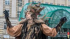 Maskenzauber (Norbert Kiel) Tags: mann grün hamburg maskenzauber masken zauber venedig italien deutschland alster verkleidung kostüme nokiart