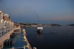 El Costa Luminosa en Mikonos (Grecia, 14-6-2017) (Juanje Orío) Tags: 2017 mikonos grecia greece mar sea agua water egeo barco boat ship cruise atardecer