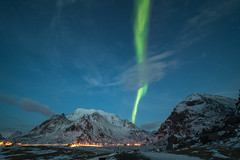 rising light (Stefan Giese) Tags: nikon d750 walimex 14mm walimex14mmf28 auroraborealis polarlicht northernlights grün himmel dämmerung bluehour blauestunde uttakleiv lofoten norwegen norway