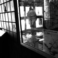 Commencer une autre vie... (woltarise) Tags: outremont station métro montréal passant sortie cartes île iphone5 streetwise