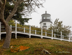 Owls Head Lighthouse - in Fog (John H Bowman) Tags: newengland maine knoxcounty owlshead lighthouses atlanticlighthouses newenglandlighthouses mainelighthouses owlsheadlight historic nrhp parks stateparks mainestateparks fog rockycoast september2017 september 2017 canon24704l
