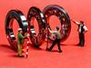 Tiny People - Herr der Ringe (J.Weyerhäuser) Tags: circles macromonday hmm ringe stahl preiser h0 187 kugellager