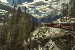 The red train (M-Gianca) Tags: sony a6500 zeiss bernina treno svizzera neve