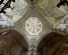 Burgos (santiagolopezpastor) Tags: espagne españa spain castilla castillayleón burgos provinciadeburgos medieval middleages gótico gothic renacimiento renacentista renaissance dome cimborrio