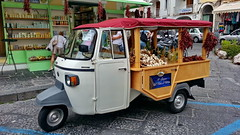 I Sapori dell Isola d'Ischia (gerard eder) Tags: world travel reise viajes italy italia italien campania ischia städte street stadtlandschaft streetlife streetart city ciudades cityscape cityview urban urbanlife urbanview piaggio ape piaggioape transport traffic spices outdoor