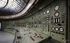 Porno Green. (Left in the Lurch) Tags: abandoned powerplant controlroom