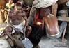 Forgerons dans le village forgé Tschare, Kaye Montagnes, Togo (Sekitar) Tags: westafrika west africa ouest afrique togo schmied blacksmith forgerons village forgé tschare kaye montagnes