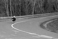 Downhill longboard (no sabemos cómo llamarnos) Tags: skate skater downhilllongboard jaizkibel blancoynegro blackandwhite noiretblanc deporte carretera road route street calle rue streetphotography fotourbana