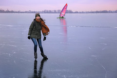 Samantha joins Ice-yachting on the smooth ice of Loenderveenseplas (B℮n) Tags: loenderveenseplas loenderveense plas loosdrechtse plassen oudloosdrecht horndijk noordholland nederland holland netherlands skating ice schaatsen noren viking 2018 3maart2018 koud temperatuur vorst zwart ijs glad ijspret winter dutch skaters freeze terranova natural cold speed gekte paradise surface lakes glide gliding adventure schaatsliefhebbers vaarverbod water brasem wide skate weather weer plezier fun oud jong weids icy ijszeiler iceyachting 50faves topf50 100faves topf100