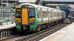 377210 (JOHN BRACE) Tags: 2002 bombardier derby built electrostar 377210 southern livery east croydon station