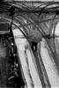 Incrocio (laetitia.delbreil) Tags: film filmphotography ishootfilm filmisnotdead filmisback westillcare 35mm vintagecamera analogico análogo argentique analogue pentacon prakticab200 prakticar50mm118 kodaktrix400 iso400 400tx bn nb bw noiretblanc biancoenero neve snow neige bologna italia italy jesuisargentique analogsoul slr singlelensreflex