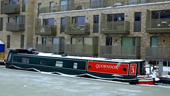 Snowy Edinburgh 039 (byronv2) Tags: snow winter weather edinburgh edimbourg scotland polwarth slateford viewforth unioncanal canal barge boat houseboat quorndon apartments ice frozen water