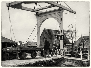 004  - 1960-63 Hindeloopen s & w segeln