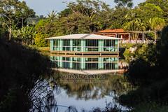 Salão de Festas (Judson Castro) Tags: lago espelhodagua reflexo teresópolis salãodefestas céu monocromático hotelfazena pousadamonjolo