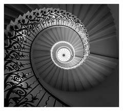 Tulip (Robgreen13) Tags: london greenwich queenhouse tulip staircase spiral bw mono