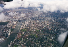 Hello London! (twm1340) Tags: london england approach landing heathrow boeing 747 2001 april