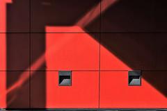 ligth and shadow (TeRo.A) Tags: valo varjo ligth shadow porvoo kirjasto punainen red porvoonkaupunginkirjasto