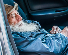 2018 - Mexico City - Car Napping (Ted's photos - Returns Early June) Tags: 2018 cdmx cityofmexico cropped mexico mexicocity nikon nikond750 nikonfx tedmcgrath tedsphotos tedsphotosmexico vignetting old oldman aged man beard whitebeard napping sleeping nose hat eyebrows wrinkledface