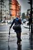 Sachons reconnaître une parisienne (hedes) Tags: paris sony alpha9 ilce9 85mm14g parisienne umbrella parapluie street rue telephone pluie