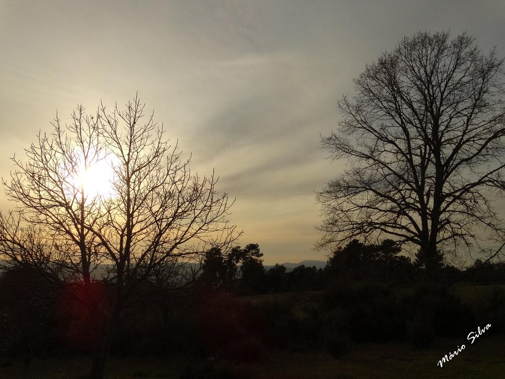 Águas Frias (Chaves) - ... o sol timidamente a esconder-se ...