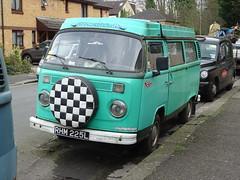 1973 Volkswagen Camper Van (Neil's classics) Tags: vehicle van camper camping motorhome autosleeper motorcaravan rv caravanette kombi mobilehome dormobile 1973 volkswagen vw
