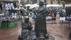 El Fontán (Jusotil_1943) Tags: hierro metal esculturas sculptures oviedo mercadillo urbanas escenas