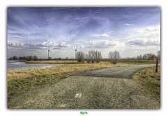 FIND NOWHERE TO GO (régisa) Tags: road route holland holalnde paysbas noordholland éolienne waterland zeedijk muséemécanique
