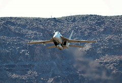 FLYING EAGLE (Dafydd RJ Phillips) Tags: vfa 122 vfa122 hornet super f18 jedi transition star wars canyon rainbow death valley california low level us united states navy naval air station nas usa lemoore aviation military