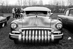 Custom Chevy (Randy Durrum) Tags: 1950 1949 chevrolet chevy custom black white rip rap road roadhouse durrum 70300 samsing s9 plus pinstripe huber heights buick grill visor customized