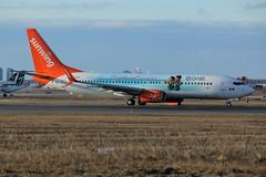 Here is SunWing Airlines C-GOWG (shumi2008) Tags: sunwingairlines sunwing737 boeing738 b737800 torontopearson pearsonairport yyz cyyz