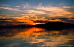 Trasimeno Tramonto (Santo Salvatore Foggetti) Tags: tramonto sunset rosso trasimeno lago lake polvese osola sony sonyilce7 foggetti umbria