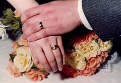 Anglų lietuvių žodynas. Žodis wedding-ring reiškia n sutuoktuvių žiedas lietuviškai.