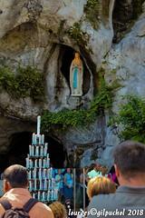 Lourdes 168-A (José María Gil Puchol) Tags: aquitaine basilique boujie catholique cathédrale cierge eau eaumiraculeuse fidèle france handicapé jeanpaulii josémariagilpuchol lourdes paysbasque prière pélèrinage religion