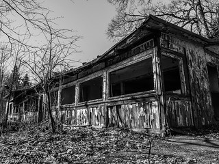 Lost Places Harz Ferienheim 042018 B&W 01