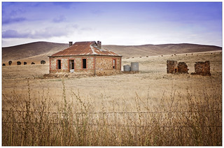 Old farmhouse, Barrier Highway, South Australia