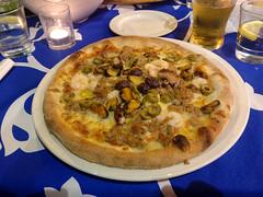 Seafood Pizza (Peeping Thom) Tags: malta island insel europe republicofmalta eu euro pizza food seafood dish plate mediterranean