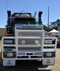 Mack Superliner (quarterdeck888) Tags: trucks transport semi class8 overtheroad lorry heavyhaulage cartage haulage bigrig jerilderietrucks jerilderietruckphotos nikon d7100 frosty flickr quarterdeck quarterdeckphotos roadtransport highwaytrucks australiantransport australiantrucks aussietrucks heavyvehicle express expressfreight logistics freightmanagement outbacktrucks truckies mack macktrucks macktrucksaustralia australianmacks mackmuster kyabrammackmuster2018 truckshow truckdisplay oldtrucks oldmacks bicentenialmack superliner series2 johnflynn limitededition