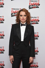 Daisy Ridley fake (drno_manchuria (simonsaw)) Tags: fake model modelo fashion moda shirt chemise camisa camicie camicia collar cuello knot nudo menswear masculina masculine femenina feminine mujer chick women mulher frauen fille chica suited suit traje trajeada encorbatada de con tie bowtie lazo bond pajarita tuxedo tux esmoquin smoking pantalon pantalones pants jacket blazer actriz actress coleta shoes elegante sexy botones encamisada red lips labios curly rizos daisy ridley daisyridley