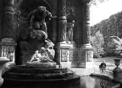 ***Fontaine Médicis (Gé DEVEAU) Tags: luxembourg paris sculptures médicis jardin fontaines