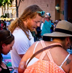 Red Beard & Tattooed Lady (LarryJay99 ) Tags: 2018 urban festivals crowds florida people men male man guy guys dude dudes manly virile studly stud masculine sexyman street festival lakeworthstreetpaintingfestival2018