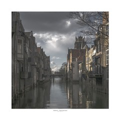 The canals of Holland's oldest town (zoomleeuwtje) Tags: dordrecht kanaal canal netherlands