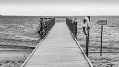 Denmark - Aarhus - Ballehage Beach (Marcial Bernabeu) Tags: marcial bernabeu bernabéu denmark danmark dinamarca danish danes danés danesa aarhus ballehage beach playa pier sea mar ocean oceano océano muelle monochrome monocromo strand embarcadero