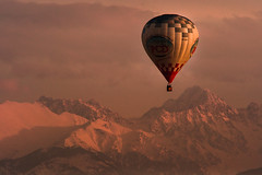 Balonem na Gerlach (Janko H-a) Tags: tatry mountain landscape sunset balloon olympus mzuiko m43
