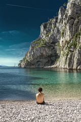 Waiting summer (klepher) Tags: calanque world beach bestoftheday panorama landscape human nature photo photography foto sun plage playa paradise picture photographer travel trip oklm morning fineart post earth ciel aqua bleu turquoise galet opale children calm rocher climb tree sud marseille france europe boat polariser canon pictureoftheday photografia