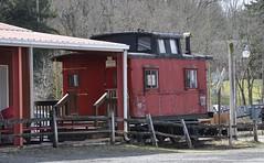 Glenshaw, Pennsylvania (4 of 5) (Bob McGilvray Jr.) Tags: glenshaw pennsylvania union caboose cupola red railroad train tracks unionrailroad business private display static
