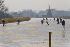 Schaatsen (tombola007) Tags: iceskating schaatsen molen windmill ice water winter snow