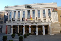 Teatro de la Ópera (Roma, Italia, 15-10-2017) (Juanje Orío) Tags: 2017 roma rome italia italy patrimoniodelahumanidad worldheritage teatro theatre ópera bandera flag plaza europeanunion