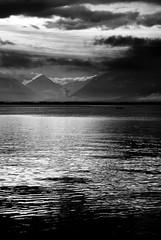 Des frissons sur la peau... (Sabine-Barras) Tags: suisse switzerland lake lac mountain montagnes water eau landscape paysage ciel sky clouds nuages argentic argentique monochrome blackandwhite bnw bw